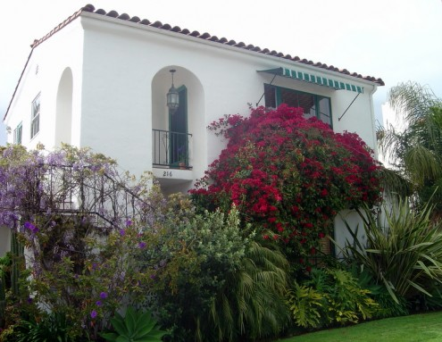 Spanish Homes Have a Classical Beauty 2