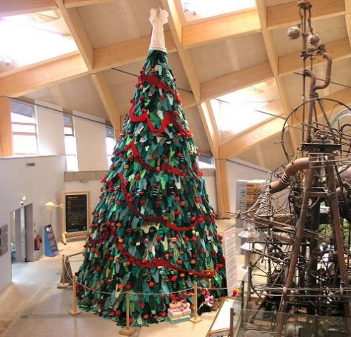 World's Most Unusual Christmas Trees ~ Gawe Omah Design