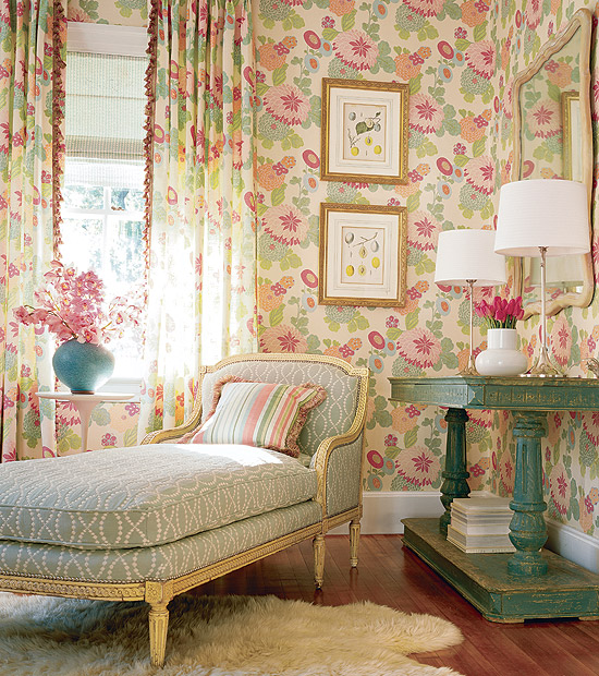 Room Wallpaper Designs: wallpaper ideas for small living room