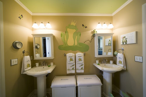 pretty kids bathroom design