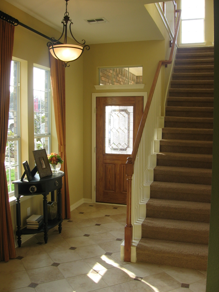 Foyer design decorating tips and pictures for Exterior entryway design ideas