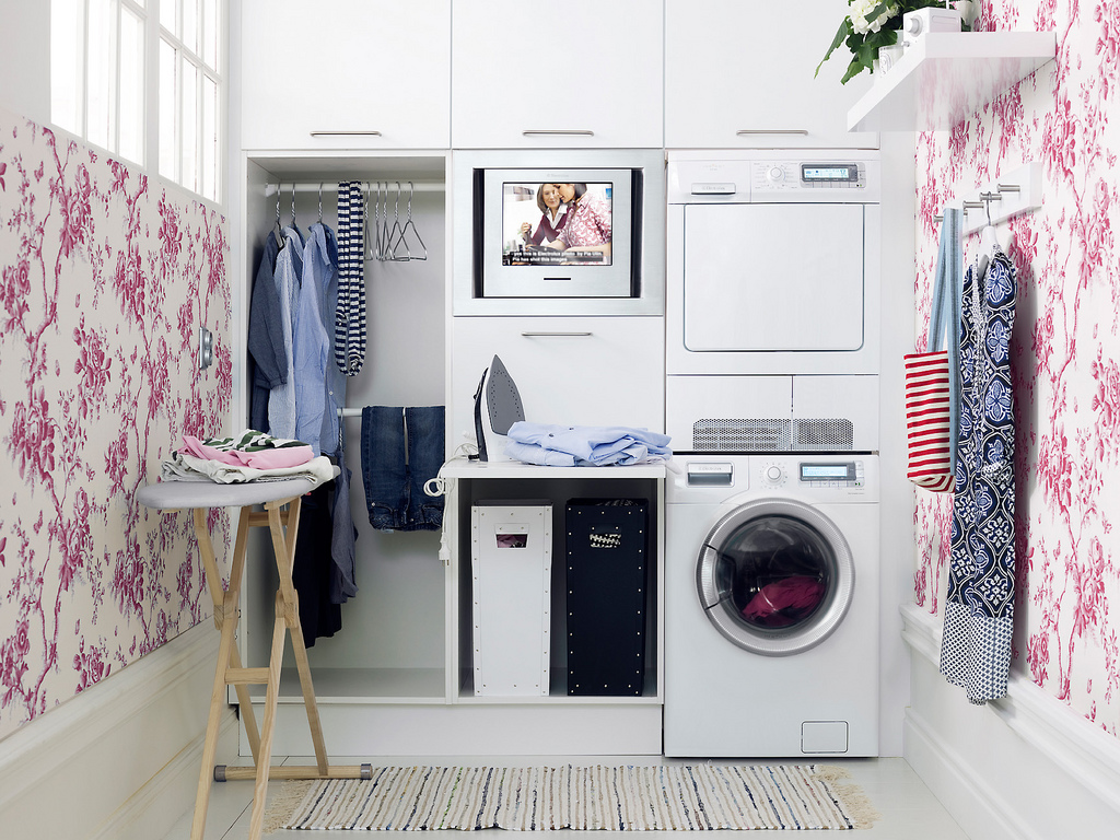 Laundry room storage ideas beautiful modern home for Small utility room