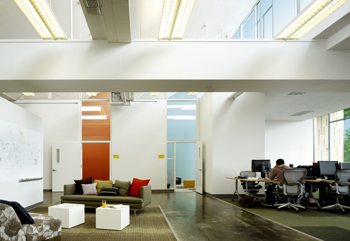 Facebook 39 s new cool office for Office design companies