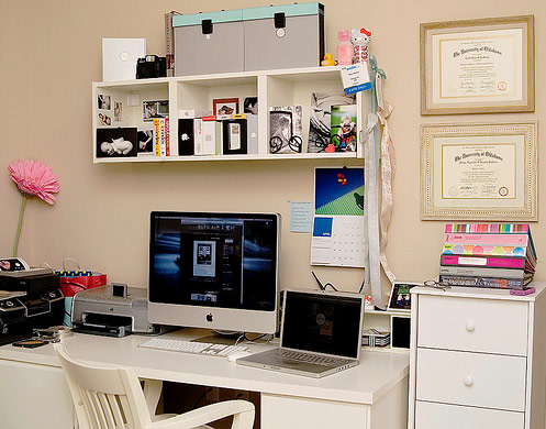 mac-lady-workspace