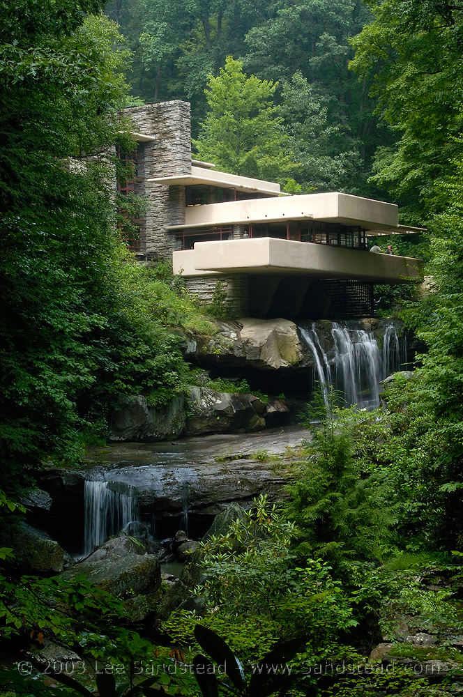 Donna's Decembers: Frank Lloyd Wright's Fallingwater Tour!