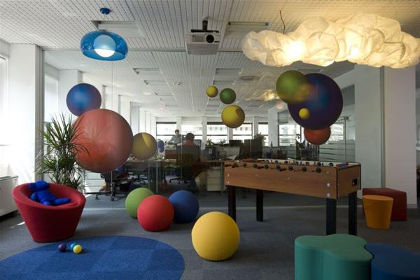 Google s offices from around europe gawe omah for Office playroom