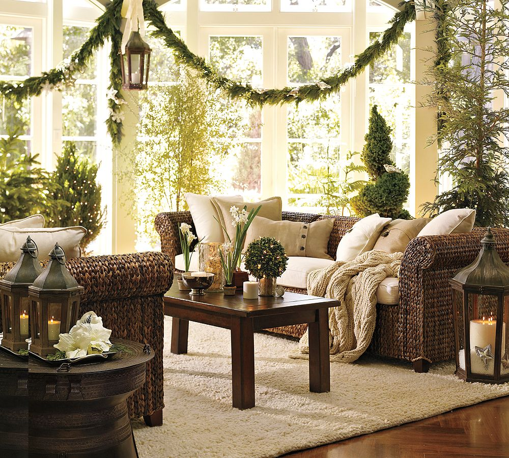 Christmas interiors - Christmas decorations for the living room ...