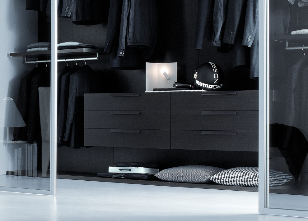 Bedroom closets and wardrobes for Black walk in wardrobe