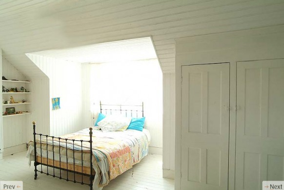 http://www.home-designing.com/wp-content/uploads/2010/01/double-bed-white-interiors-582x389.jpg