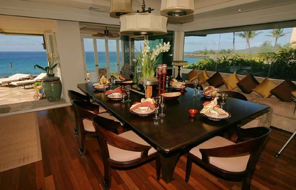hawaian villa dining space