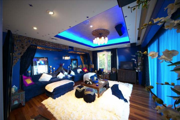 the blue room in the villa