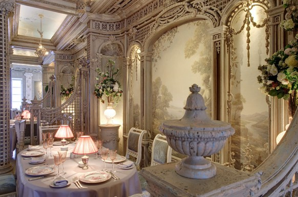 17 royal restaurant interiors