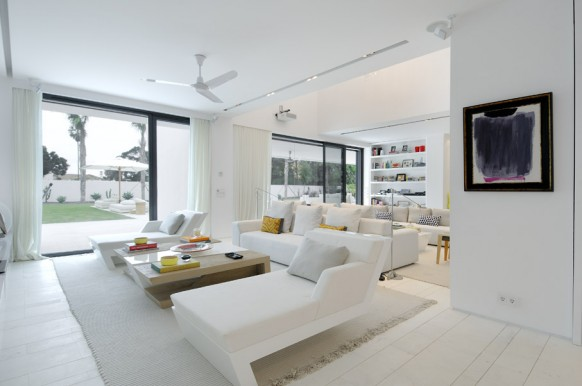 4 heavenly white interiors