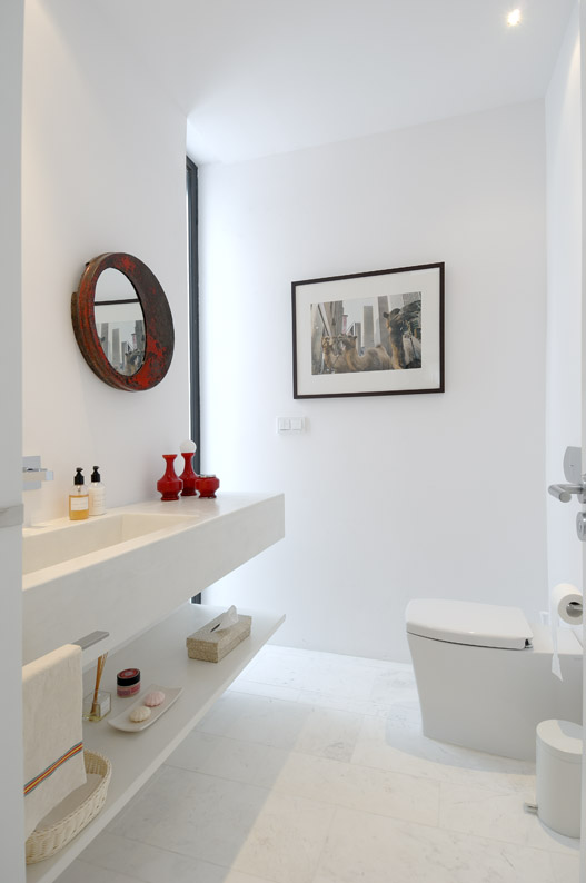 7 stunning white bathroom