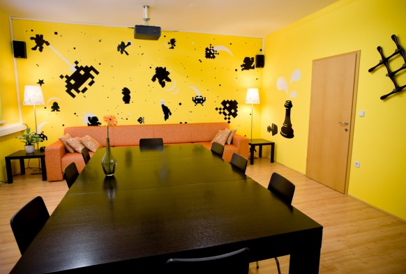 interior design: Nice Design Of Office Space With Yellow Color