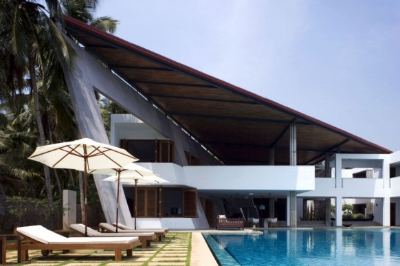 luxury houses kerala