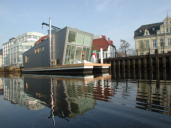 Modern House Boat with Rooftop Garden | NATURAL INTERIOR DESIGN 2010