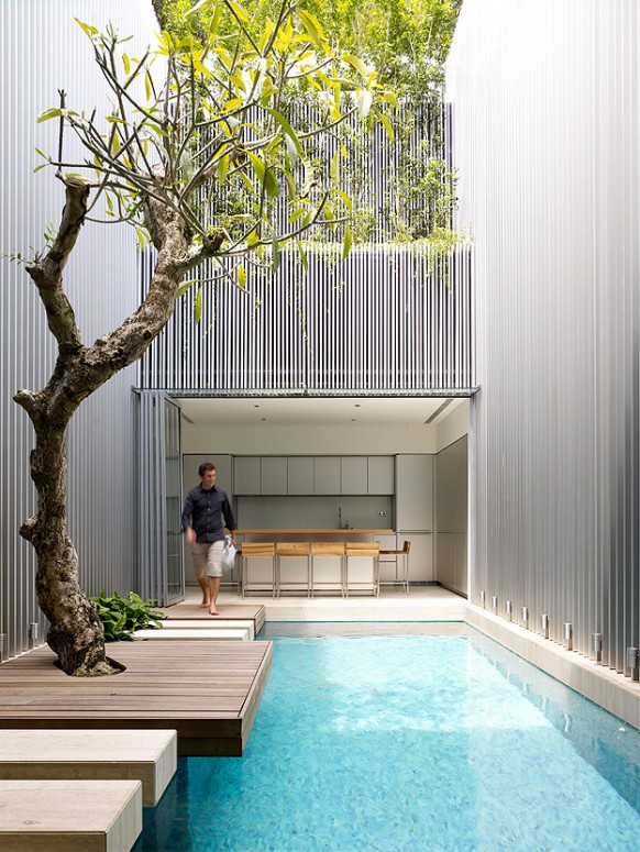 [تصویر:  Amazing-Courtyard-design-with-swimming-pool-582x775.jpg]
