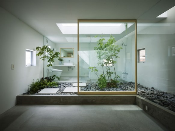 [تصویر:  Modern-indoor-courtyard-design-582x435.jpg]