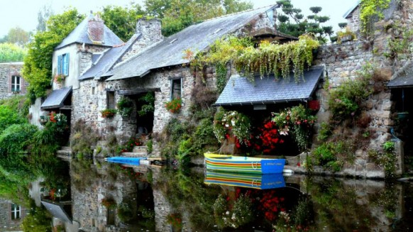 Cottage House on the River 582x327 - Dabbang Cottages hain yaar...!!!