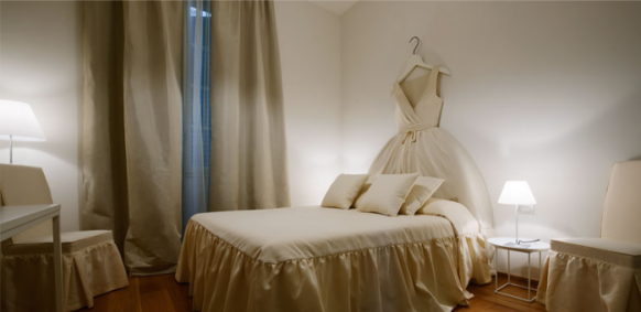 ������� ����� ������ ���� ����� Milan-Hotel-room-fairy-tale-decor-582x283.png