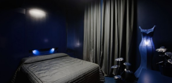 ������� ����� ������ ���� ����� Milan-Hotel-sexy-fairytale-decor-bedroom-582x280.jpg