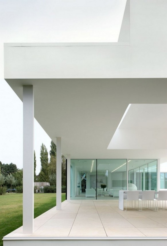 Contemporary Villa VH by Beel Achtergael Architecten luxury patio
