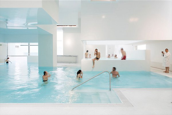 Indoor pool in aquatic center le havre france - Piscine le havre les docks ...