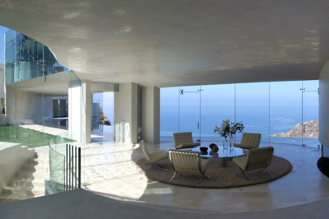 lounge with a sea view