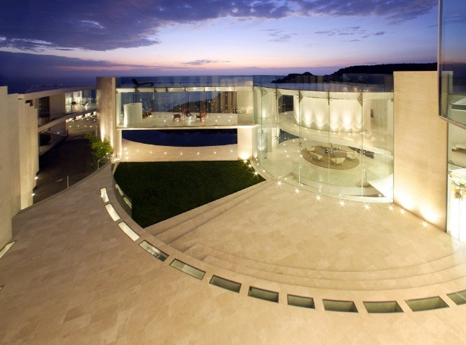 sea-view-mansion