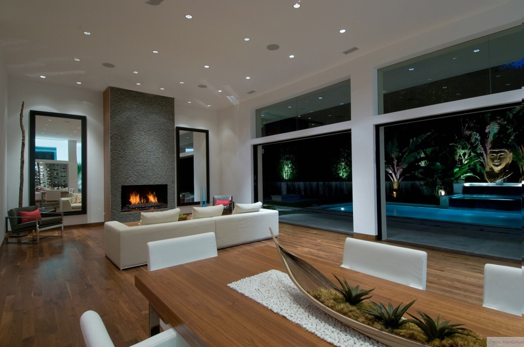 Living Room Pool View
