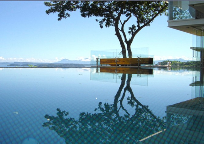 deck floating on a pool2