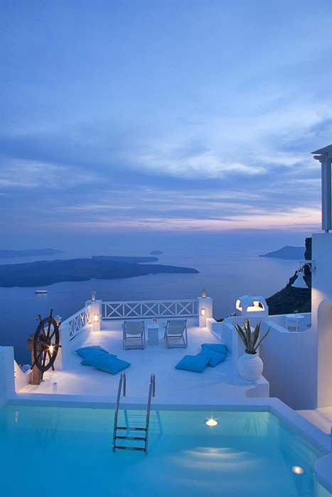 The majestic Santorini islands are known for their overuse of white architecture--set against the blue ocean and sky, it makes for a truly soothing and aesthetically pleasing vacation spot.