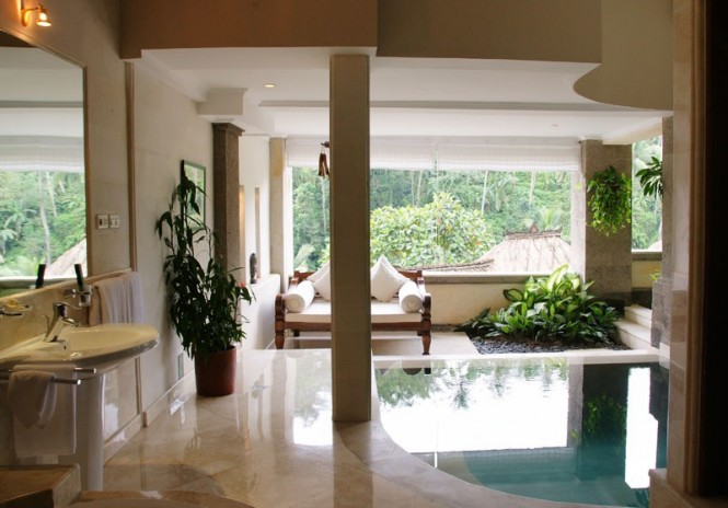 Some pools flow through the interiors of the terrace suites, enhancing guests' connection to the outdoors, even while inside.