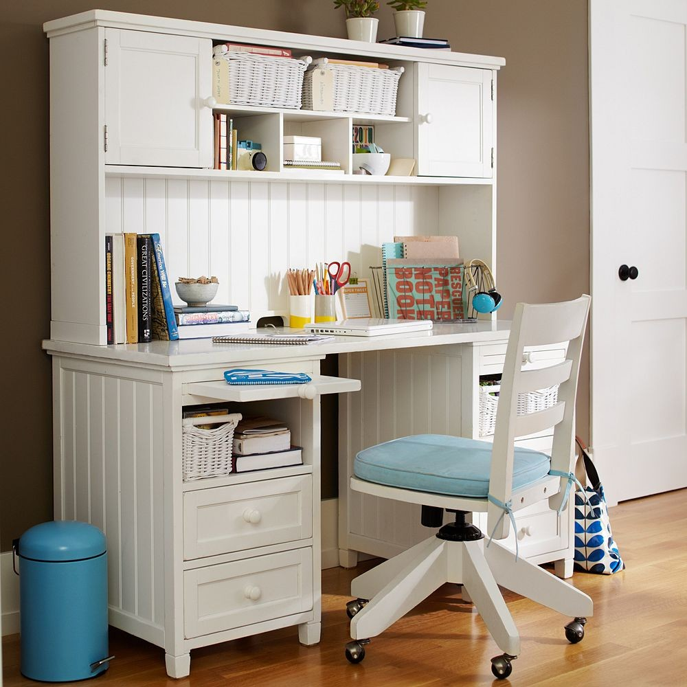 Teen Girl Bedroom Desk 1000 x 1000