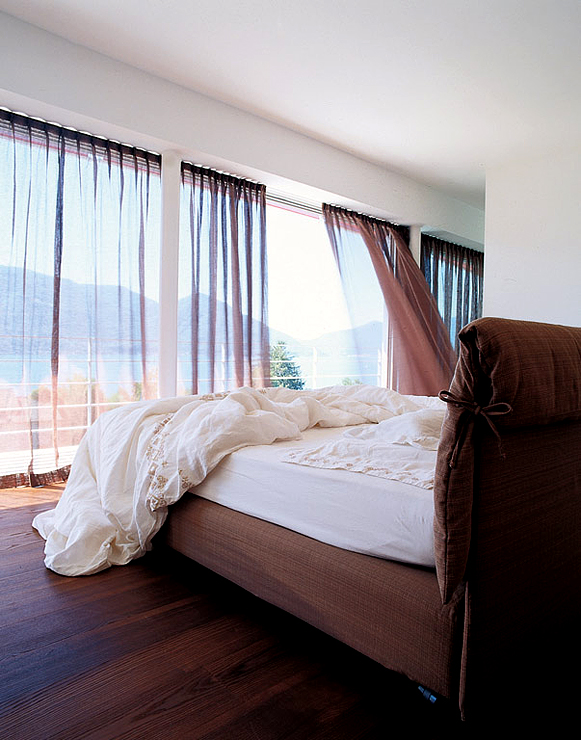 swiss-bedroom-wood