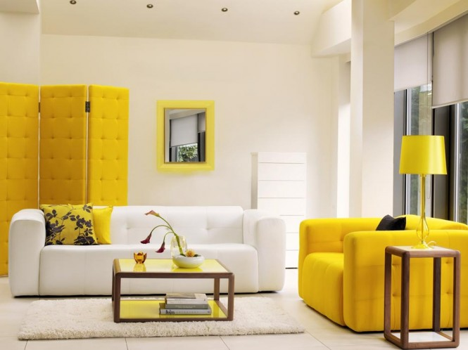 Via HealsTeam your yellow with lots of white to keep the look ultra fresh.