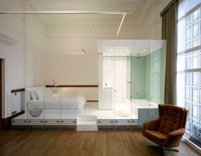 The Signature Suite at Town Hall Hotel, London offers a platform bed, platform bath, platform everything! Singing in the shower will become a stage performance from this raised en suite.