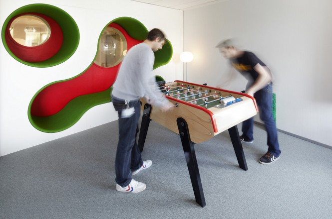 Red green games room