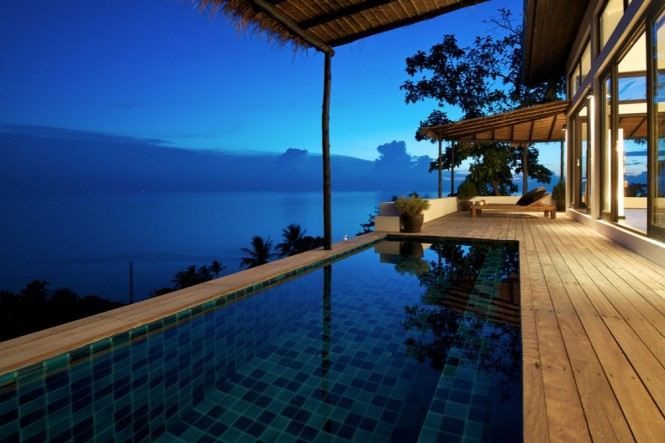 Guests at four of the five villas can enjoy a refreshing plunge in their own swimming pool, partly sheltered by an island-style thatched roof, to shade you from the sunshine during the day, but allow you to enjoy the stars as nighttime falls.