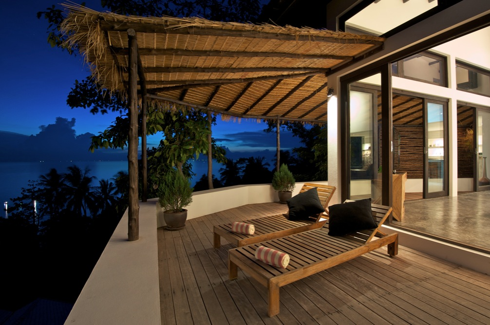 Sun deck loungers for Beach villa design ideas