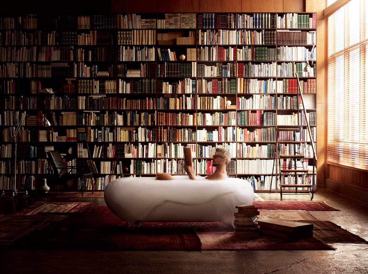 http://www.home-designing.com/wp-content/uploads/2012/04/Bath-tub-in-home-library.jpeg