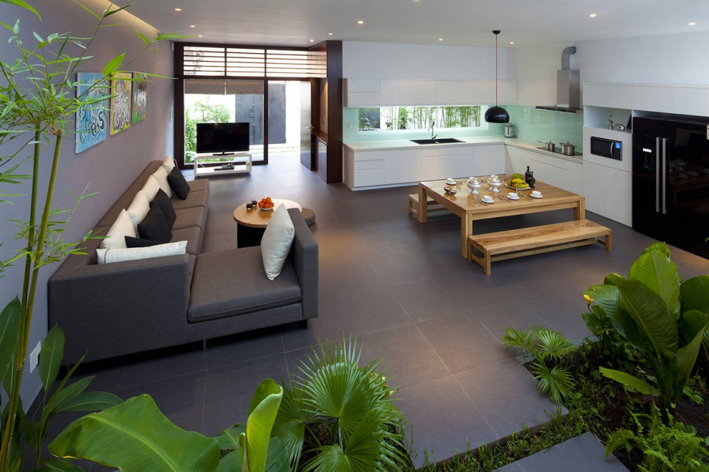 A fresh home with open living area internal courtyard for House plans with large kitchen and family room