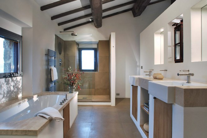 Villa Arrighi A Luxury Converted Farmhouse In Umbria Italy Inspiration Bathroom Designs 2012 Decorating Inspiration