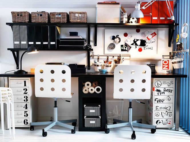 Teenage workspace black white decor