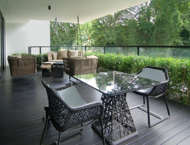 Alfresco dining deck