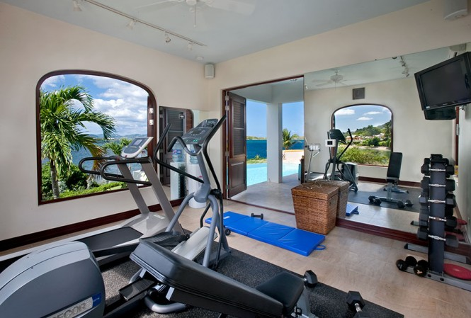 For those who can't ever fully switch off in vacation mode, a desk area complete with computer equipment can be utilized, or you can burn off excess energy in the air-conditioned, mirrored personal gym.