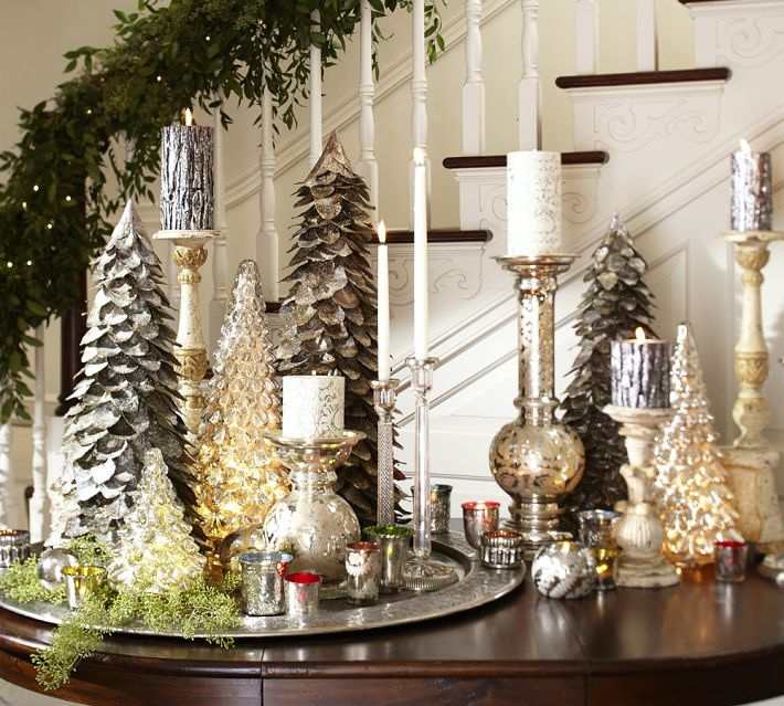 Elegant And Neutral Christmas Foyer: Christmas Centerpieces