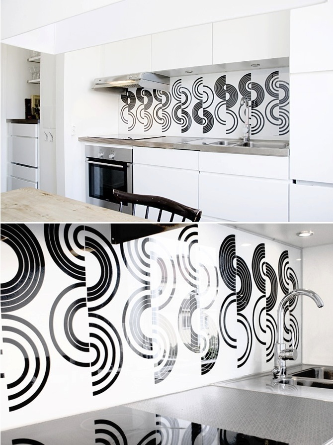 graphic white and black backsplash