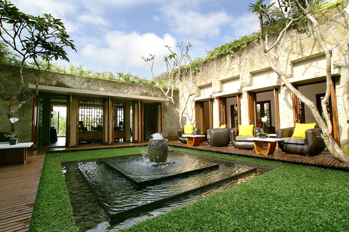 The main villa courtyard can be enjoyed from an outdoor terrace and from inside the restaurant.